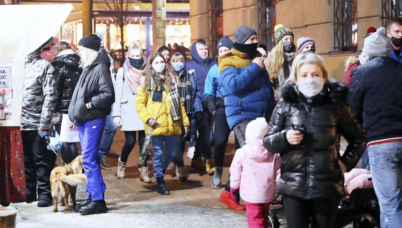 Dodatkowe restrykcje w jednym województwie (fot. PAP/Grzegorz Momot)