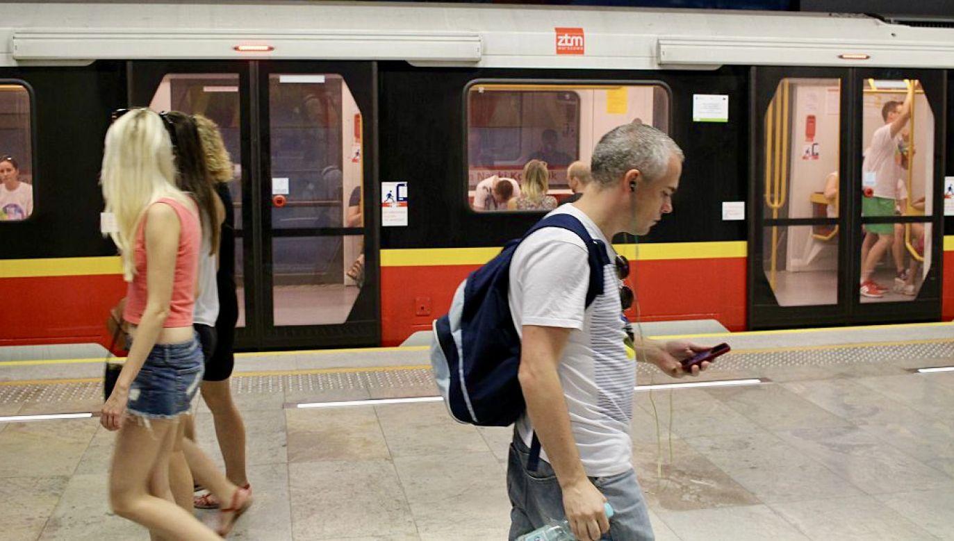 Pociągi metra linii M1 kursowały w relacji skróconej (fot. Michal Fludra/NurPhoto/Getty Images)