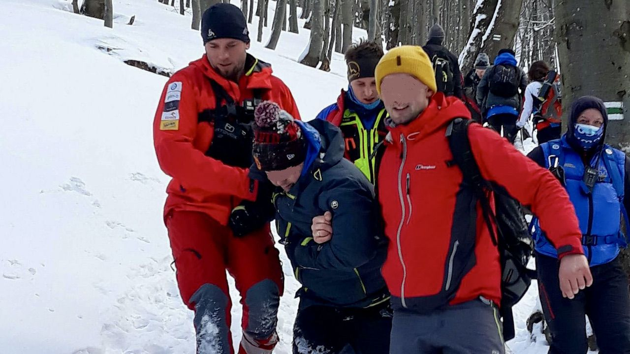 Turyści zostali sprowadzeni z góry przez ratowników (fot. FB/GOPR Bieszczady)