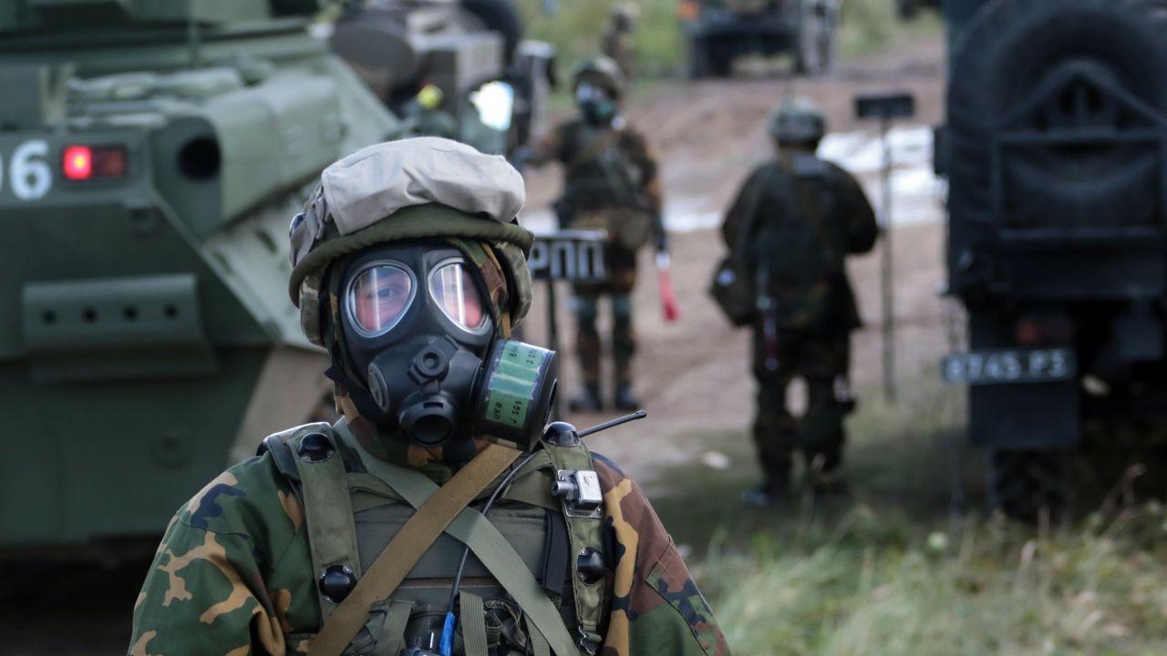 Ukraińscy żołnierze (fot. EPA/PAVLO PALAMARCHUK Dostawca: PAP/EPA)