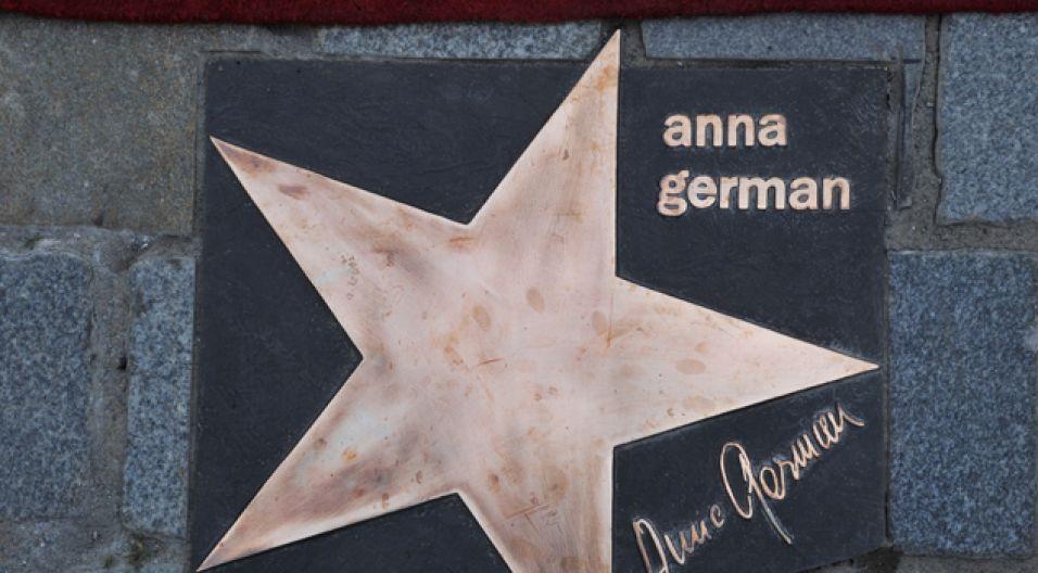 W tym roku w Opolskiej Alei Gwiazd pośmiertnie uhonorowano Annę German (fot. I. Sobieszczuk/TVP)