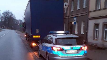 Kierowcy zatrzymano prawo jazdy (fot. Policja Opolska)