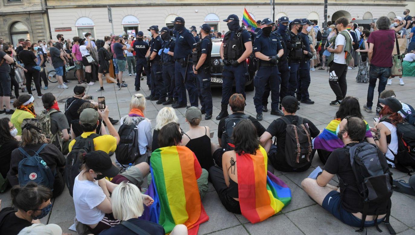 Protest aktywistów LGBT w Warszawie (fot. PAP/Radek Pietruszka)