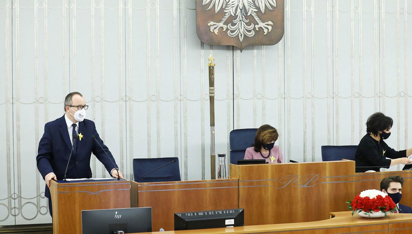 Adam Bodnar w Senacie wychwalał Martę Lempart (fot. PAP/Rafał Guz)