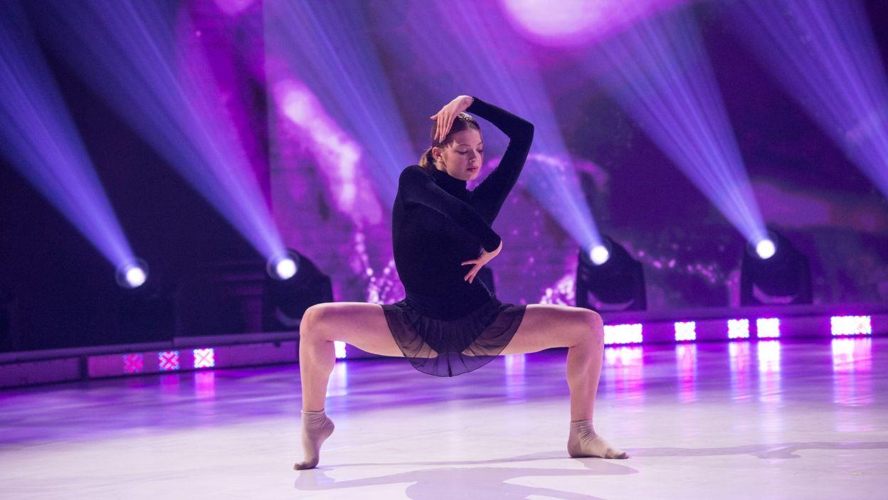 """Ostatnia z finalistek, Jagoda Rusek, wykonała w finale taniec do utworu """"Hold Me"""" (fot. Jan Bogacz)"""