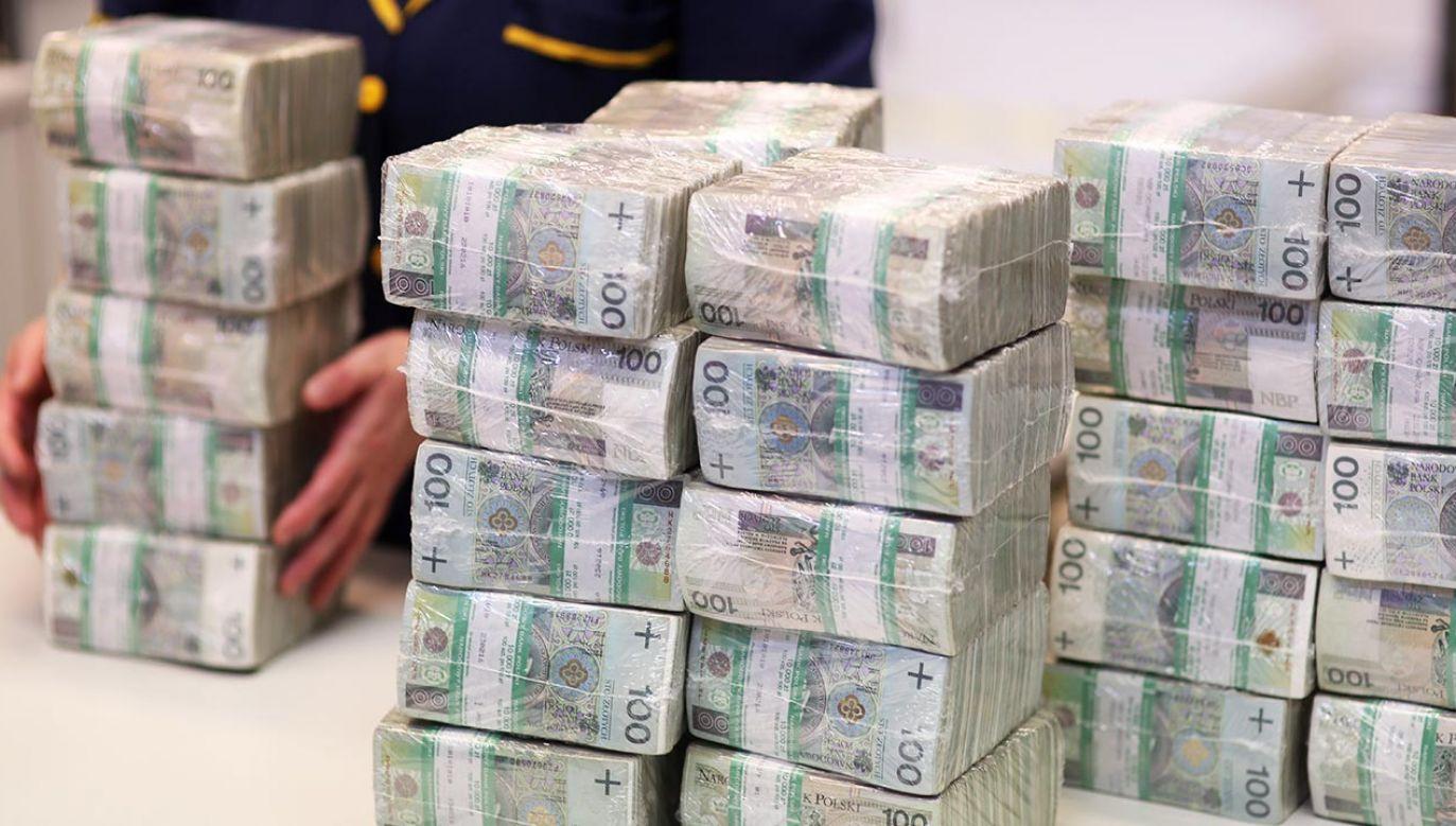 """""""Jeszcze trzy, cztery miesiące temu wszystkie samorządy i przedsiębiorcy stały przed widem gwałtownego załamania dochodów"""" (fot. PAP/Leszek Szymański)"""