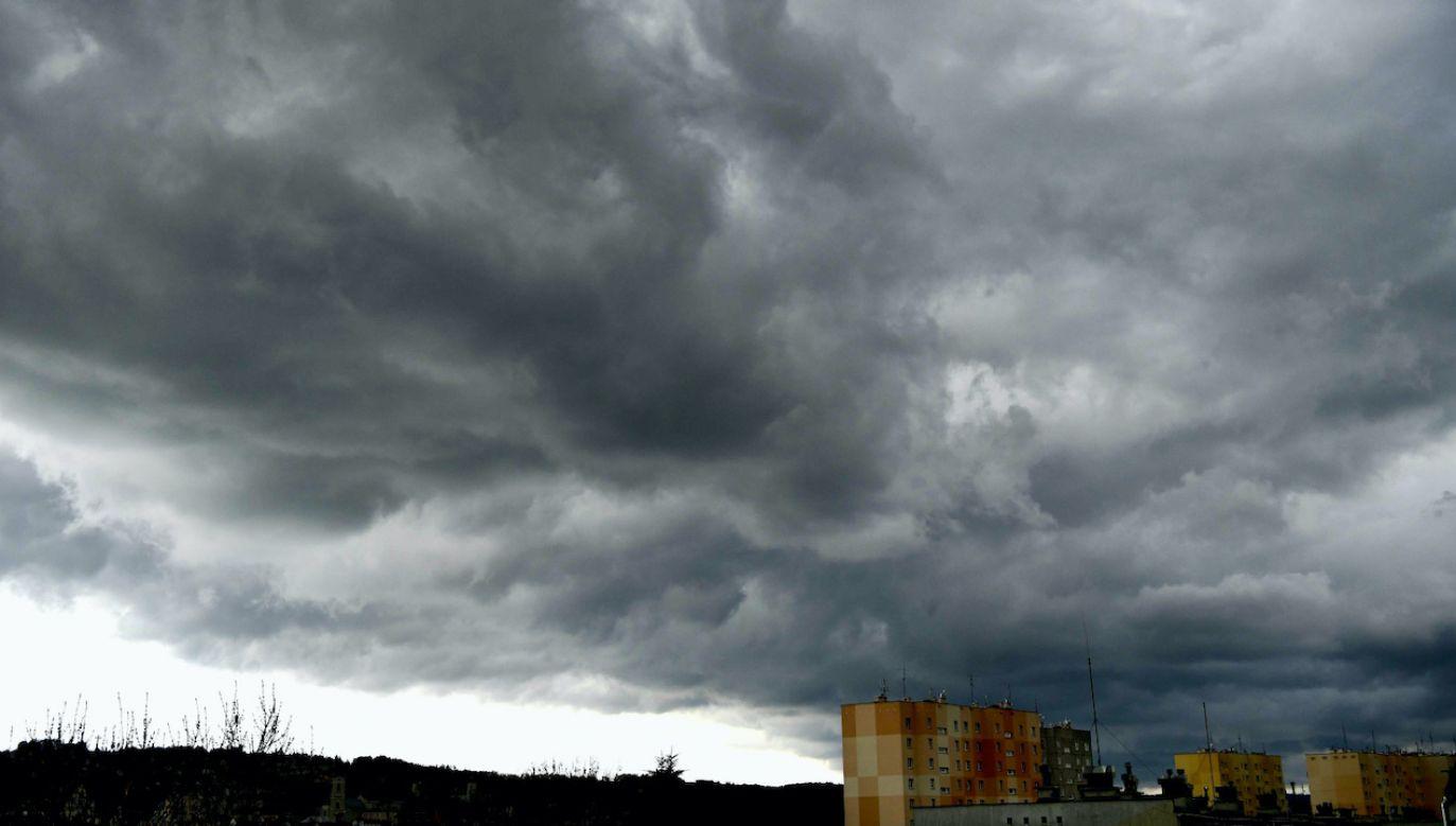 Na południu kraju wiatr może w porywach sięgać 75 km na godzinę (fot. PAP/D.Delmanowicz)