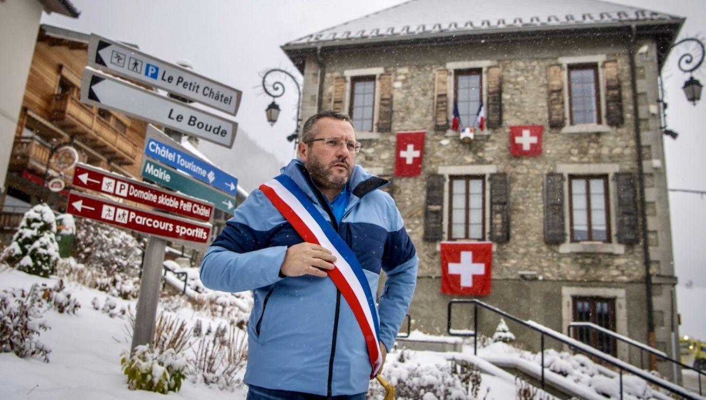 Szwajcaria nie chce zamknąć stoków narciarskich na święta, mimo pandemii (fot. PAP/EPA/JEAN-CHRISTOPHE BOTT)