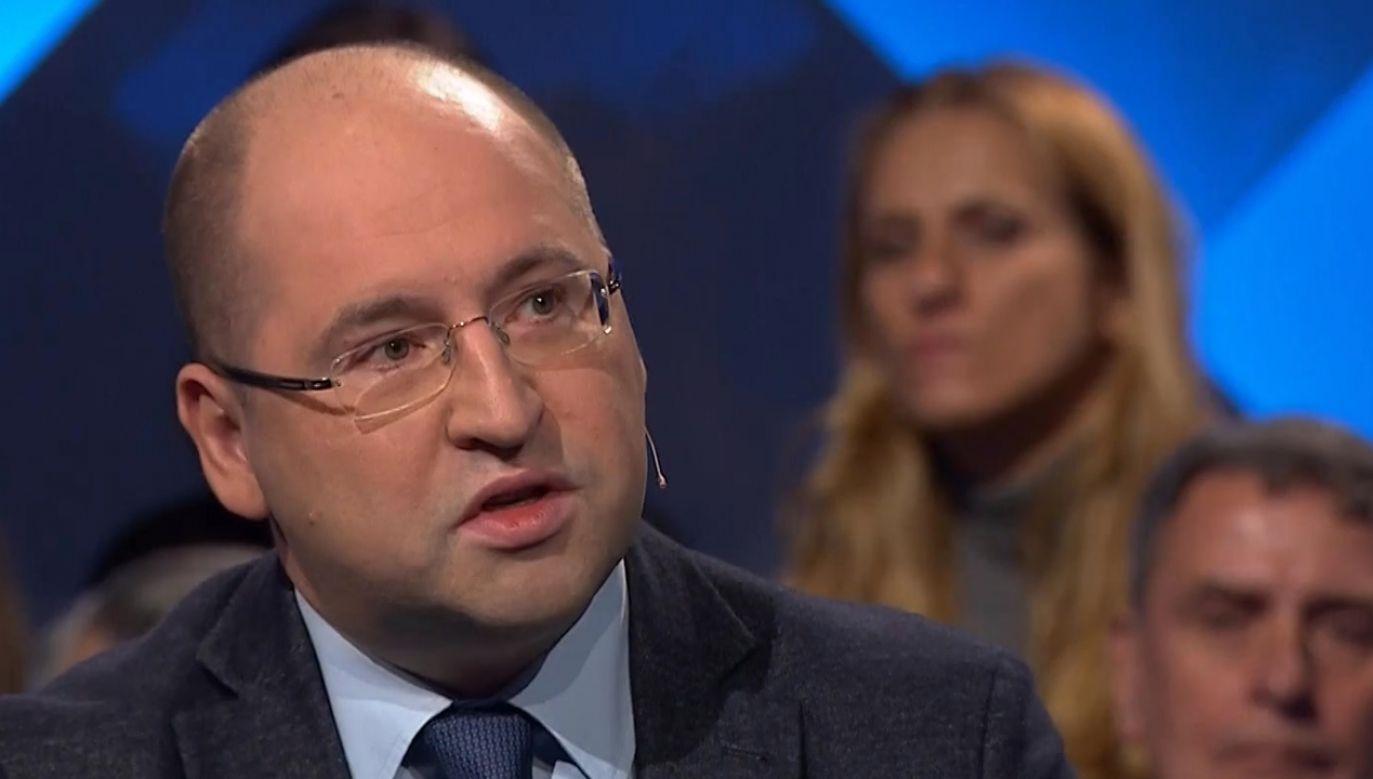 Tomasz Grodzki narazi się również na zarzut łamania Konstytucji – uważa Adam Bielan (fot. TVP Info)