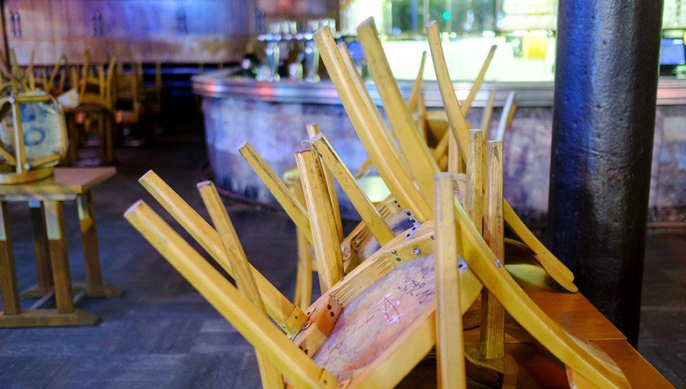 Na otwarcie lokali gastronomicznych Belgowie muszą poczekać już tylko niespełna dwa miesiące (fot. Thierry Monasse/Getty Images)