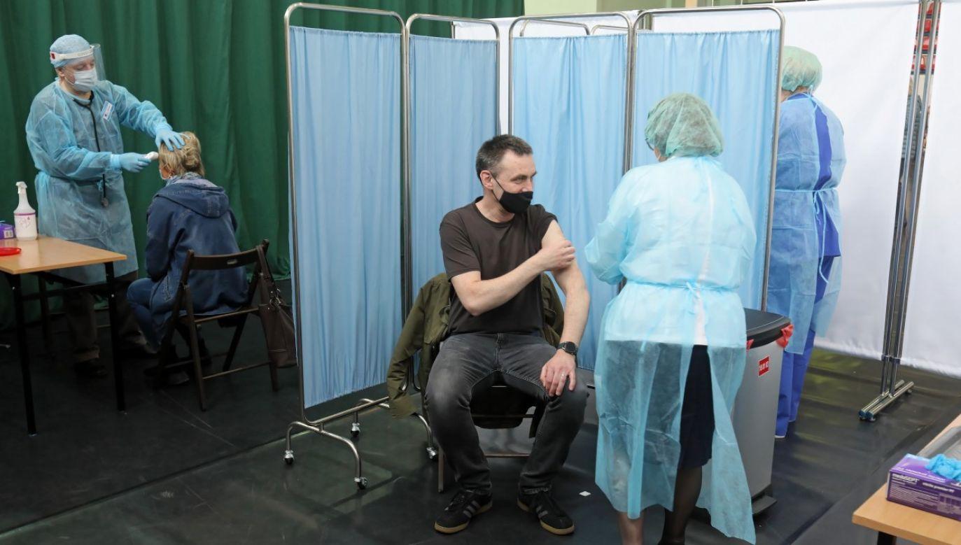 Otwarcie pilotażowego Punktu Szczepień Powszechnych w Siemiatyczach (fot. PAP/Artur Reszko)
