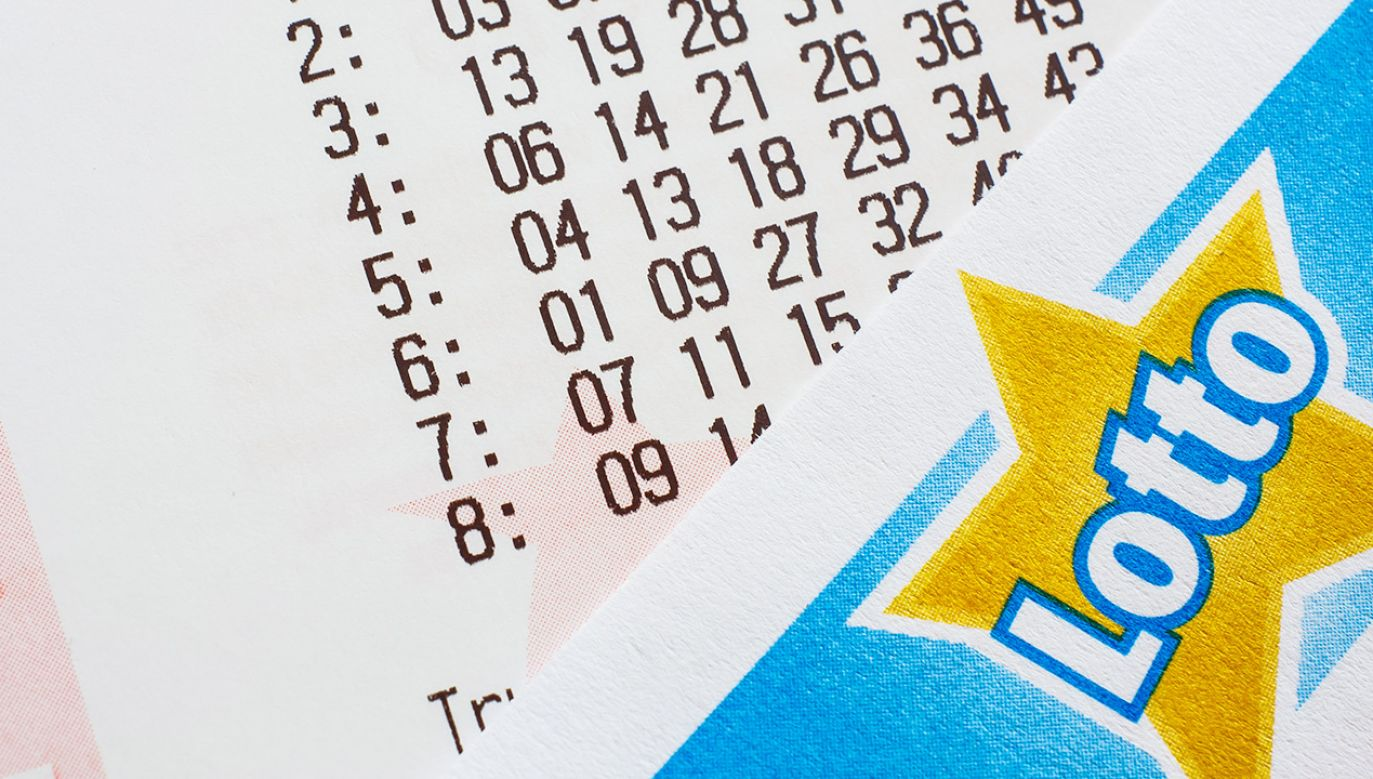 Losowanie Lotto (fot. Shutterstock/Evan Lorne)