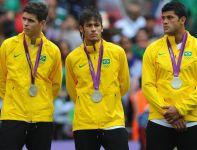 Srebrny medal nie cieszy brazylijskich gwiazd (fot. Getty Images)