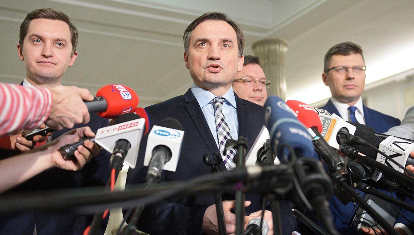 Minister Ziobro powiedział, że uchwała SN narusza prawo  (fot. PAP/Marcin Obara)