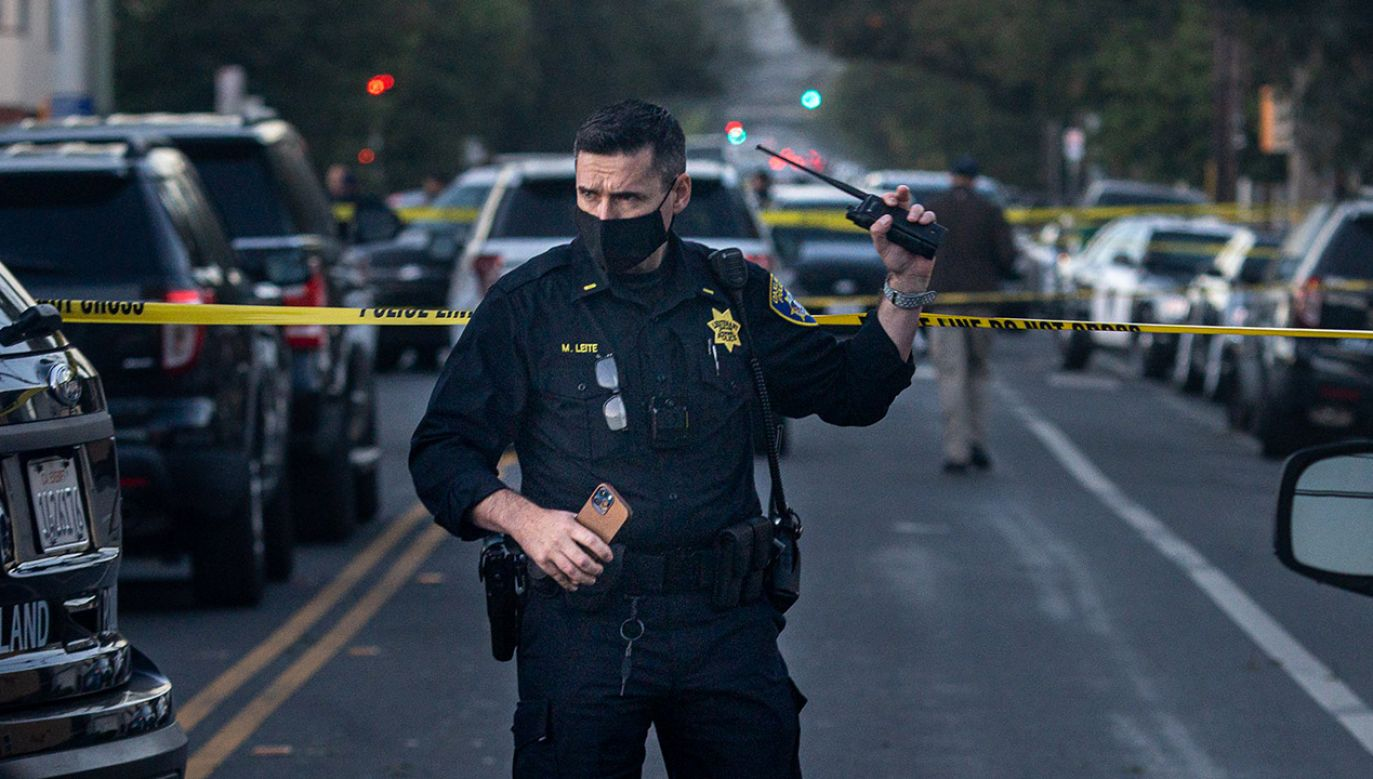 Policja i SWAT po przybyciu na miejsce znaleźli ofiary i martwego już napastnika (fot. Dylan Bouscher/Getty Images, zdjęcie ilustracyjne)