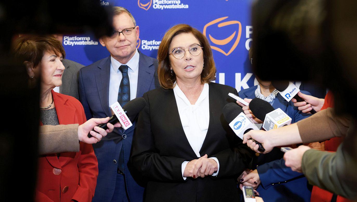 Małgorzata Kidawa-Błońska zapowiada usunięcie części sędziów TK, jeśli zostanie prezydentem (fot. PAP/Jakub Kaczmarczyk)