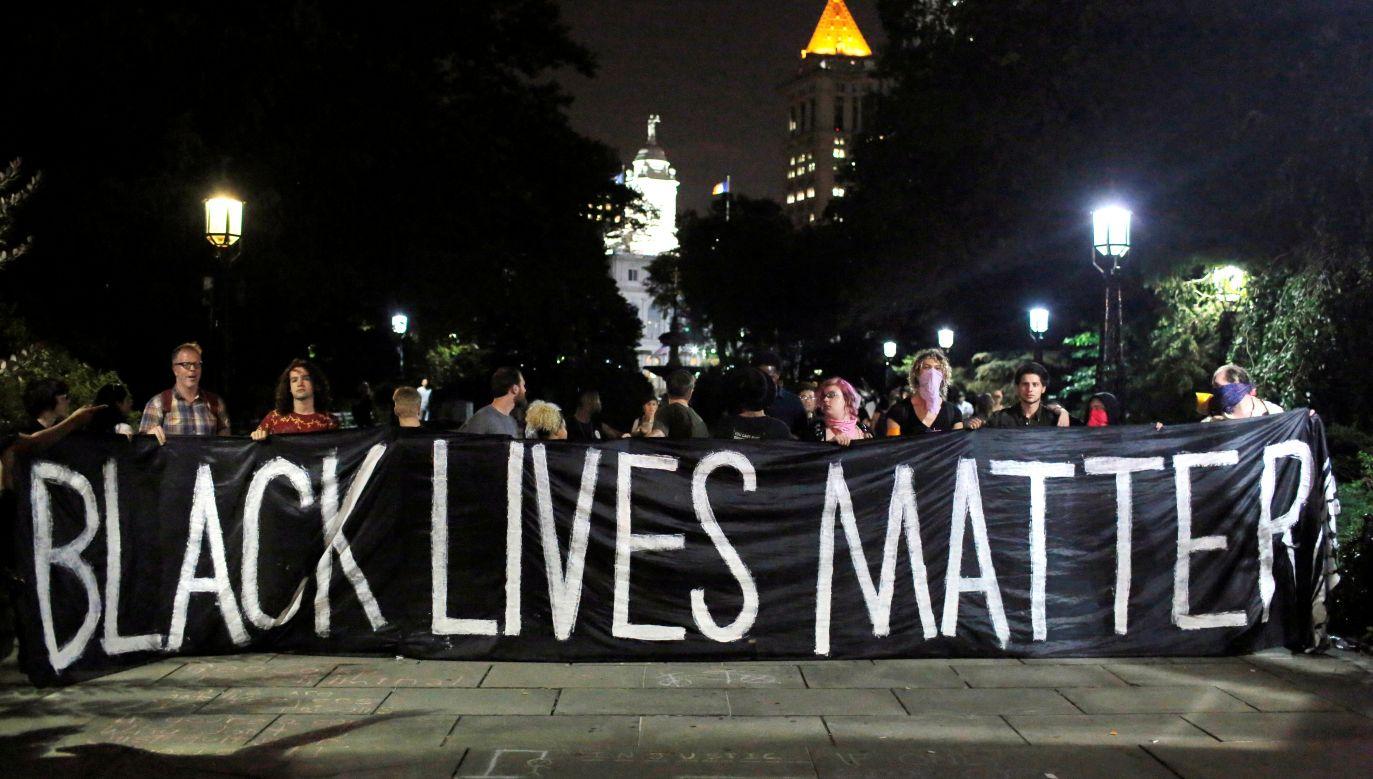 Cole pracowała na wysokich stanowiskach w organizacjach na rzecz osób czarnoskórych(fot. REUTERS/Andrew Kelly, zdjęcie ilustracyjne)