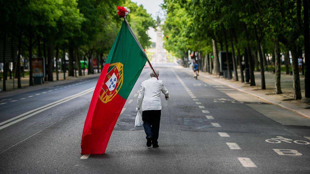 Stan wyjątkowy w Portugalii obowiązuje od 9 do 23 listopada (fot. PAP/EPA/JOSE SENA GOULAO)