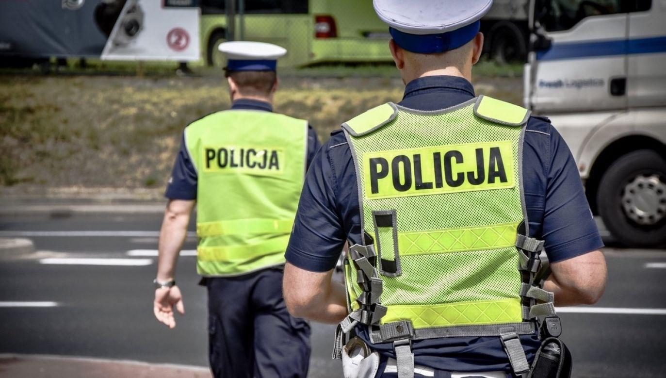 Policjanci pracują nad ustaleniem sprawcy (fot. policja.pl, zdjęcie ilustracyjne)