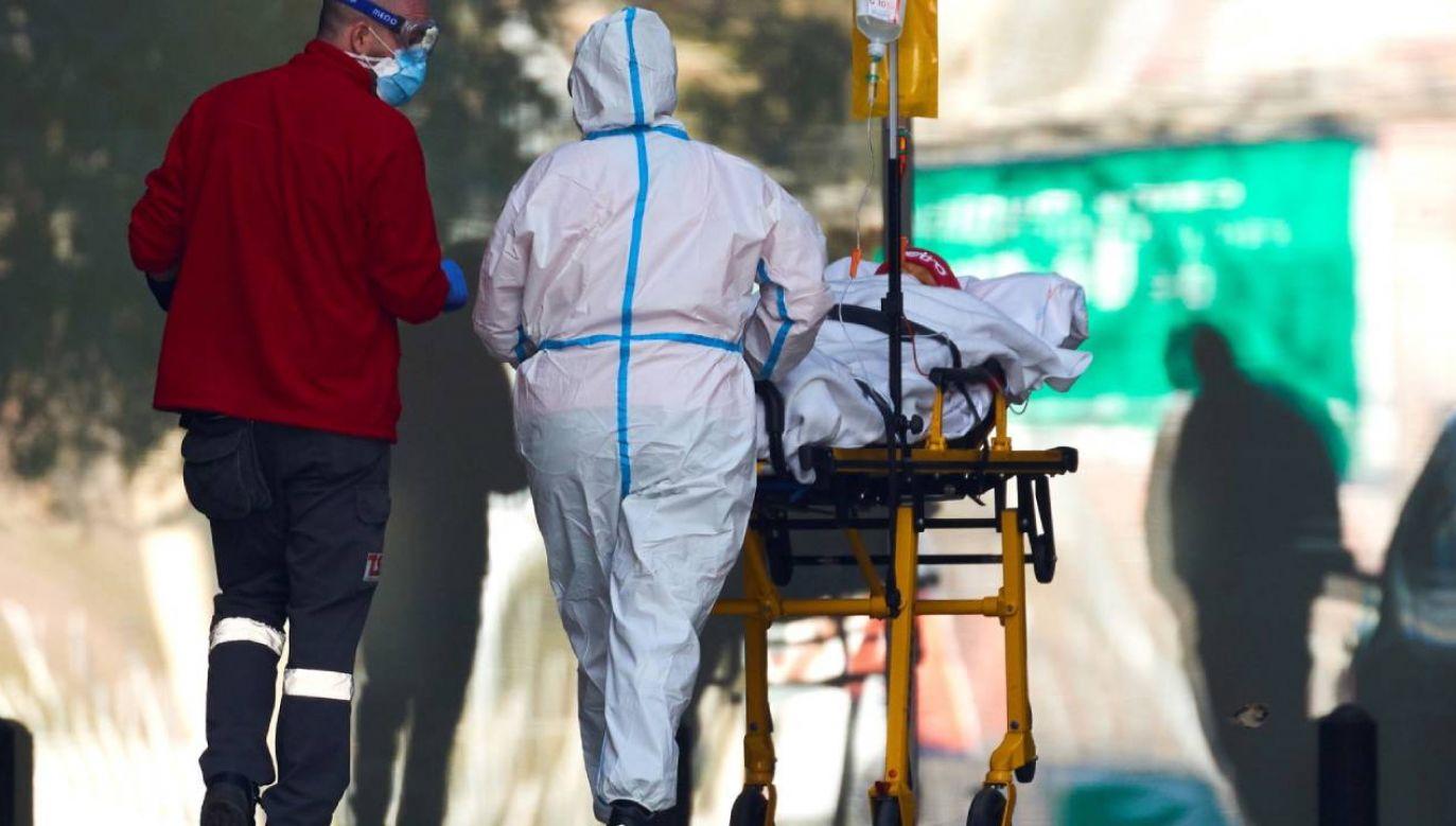 Liczba zakażeń w Hiszpanii w ciągu doby wzrosła o prawie 40,2 tys. (fot. PAP/EPA/Alejandro García)