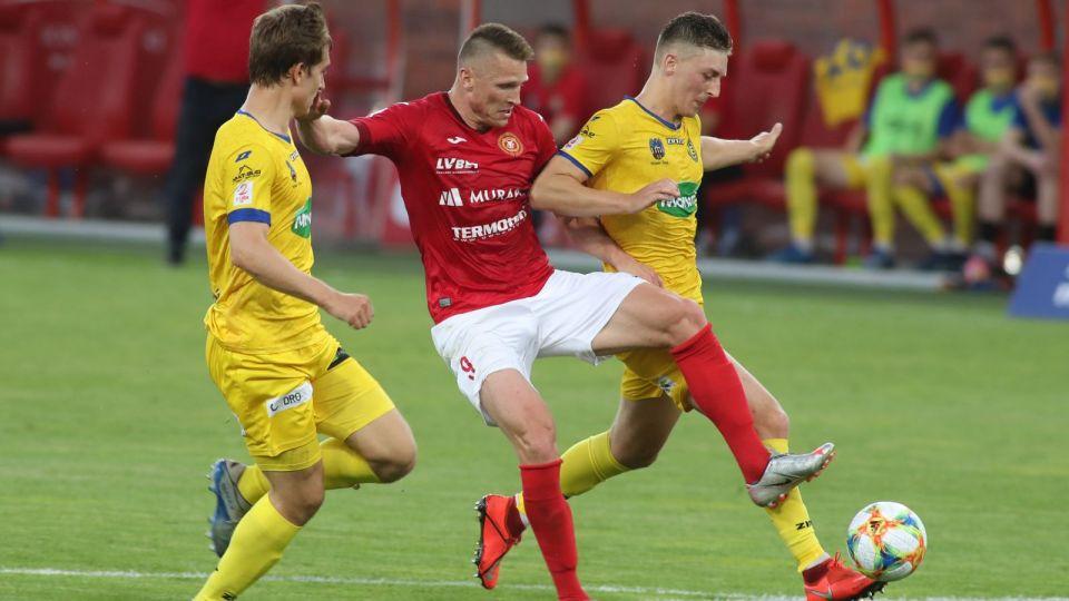 Widzew Łódź – Elana Toruń (2. liga) 1:1. Kolejne potknięcie lidera (relacja, wyniki 29. kolejki)