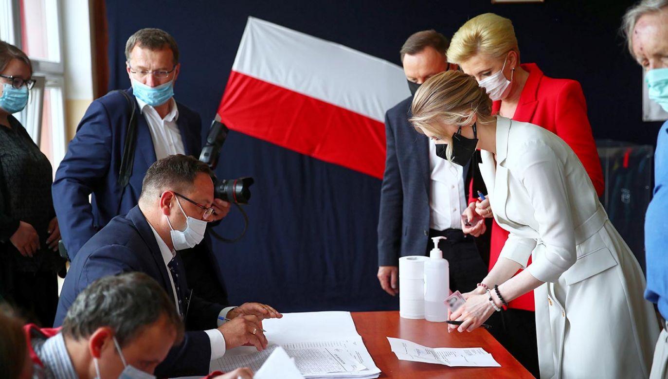 Głosowanie potrwa do godz. 21 (fot. PAP/Łukasz Gągulski)
