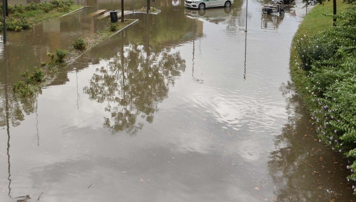 IMGW wydało alert hydrologiczny drugiego stopnia (fot. PAP/EPA)