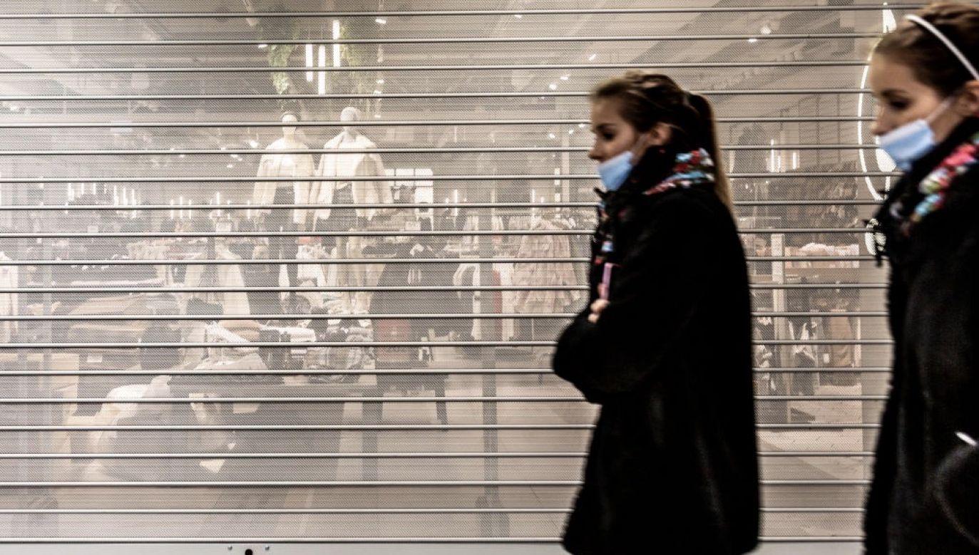 Wedle ekonomisty trudno jest jeszcze prognozować wpływ drugiej fali na dochody budżetu (fot. Dominika Zarzycka/NurPhoto via Getty Images)