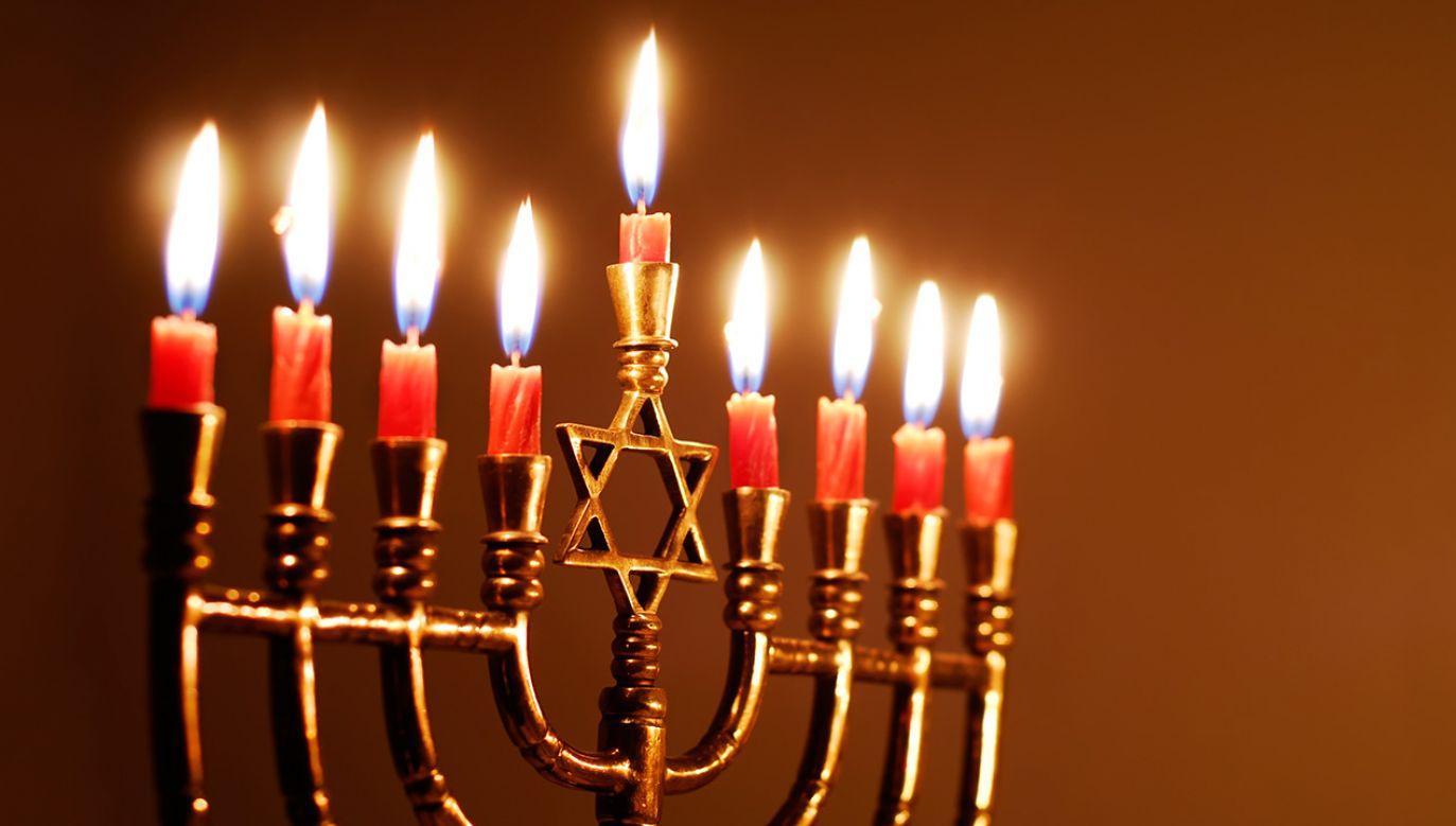 Berkowicz wytknął politykom PiS udział w żydowskim obrzędzie (fot. Shutterstock/blueeyes)