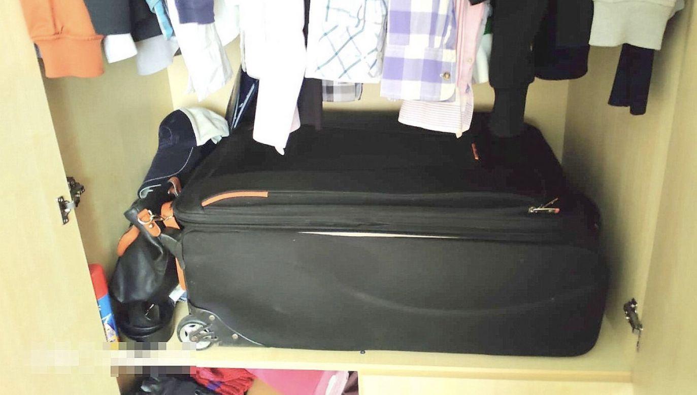 Kobieta przed policjantami ukryła się w walizce (fot. Policja lubelska)