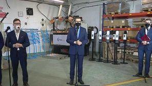 Premier Mateusz Morawiecki obiecał uruchomienie kolejnych środków (fot. TVP Info)